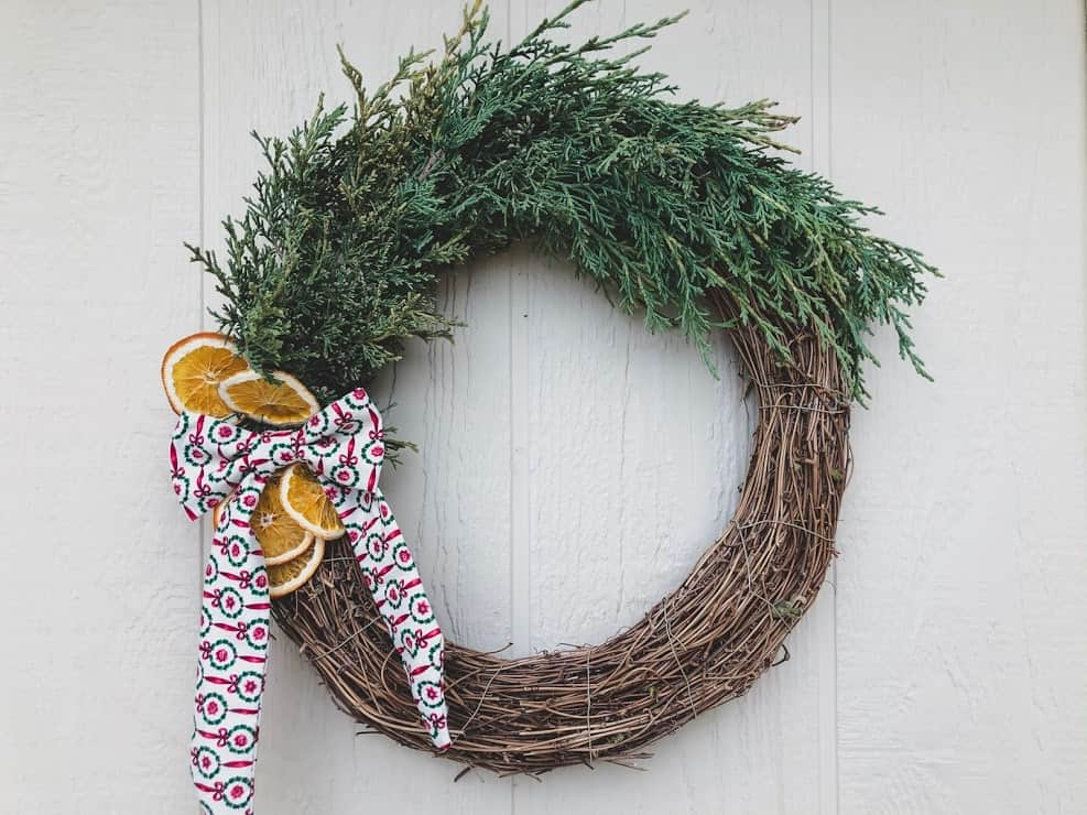 easy and inexpensive DIY Christmas wreath ideas