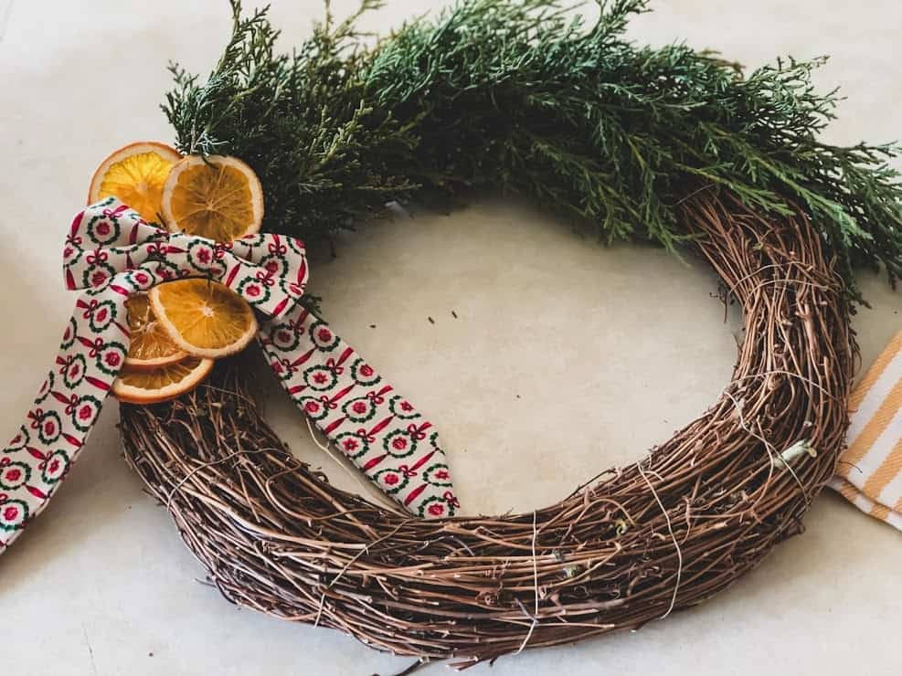 how to make a christmas wreath from scratch, christmas wreath ideas 2019
