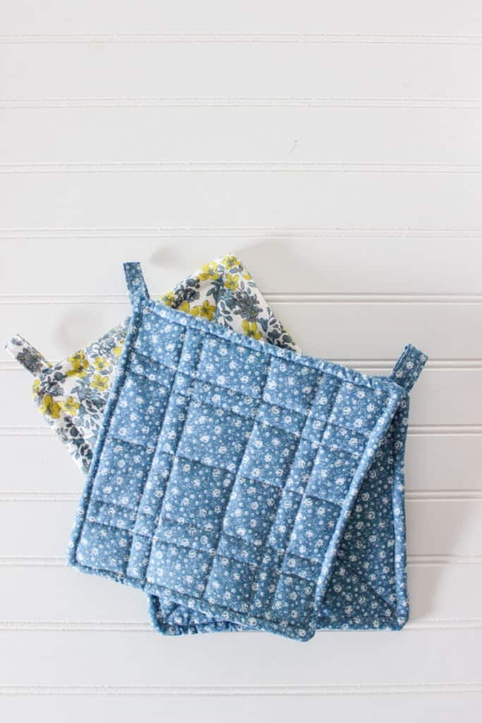 easy diy potholders - how to sew potholders