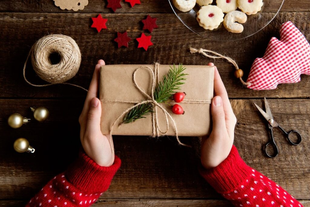 handmade holiday gift ideas your friends and family will love