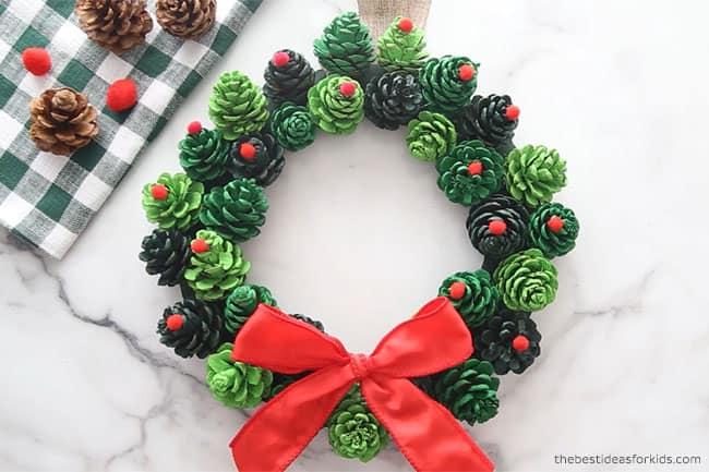 easy diy pinecone wreath for christmas